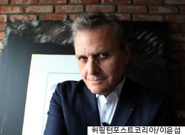 [허핑턴 인터뷰] 세종대왕의 모든 것을 좋아한 프랑스 아티스트, 카스텔바작을 만났다