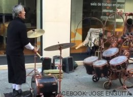El músico malabarista de Zaragoza que ha cautivado a millones en Facebook