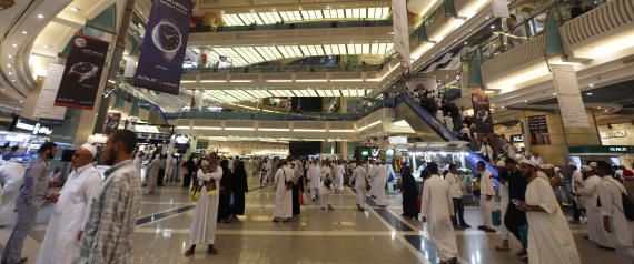 SAUDIS IN SHOPPING MALLS