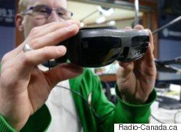 Des lunettes spéciales pour améliorer la vision d'un homme légalement aveugle