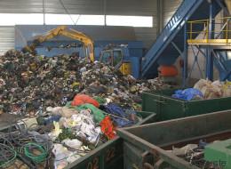Mettre fin au recyclage pour mieux recycler? (VIDÉO)
