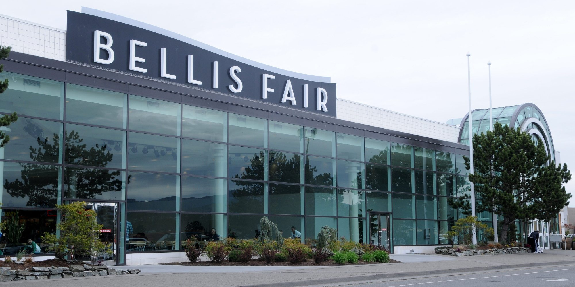 Bellis Fair Mall is your average mid-size mall. Helpful and present security, clean premises, great layout and atmosphere. The food court selection is vast with Subway, Orange Julius, Panda Express, Chipotle, Tcby, Starbucks, and a few others.3/5(53).