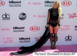 Les looks très, très osés de Britney Spears aux Billboard Music Awards (PHOTOS)