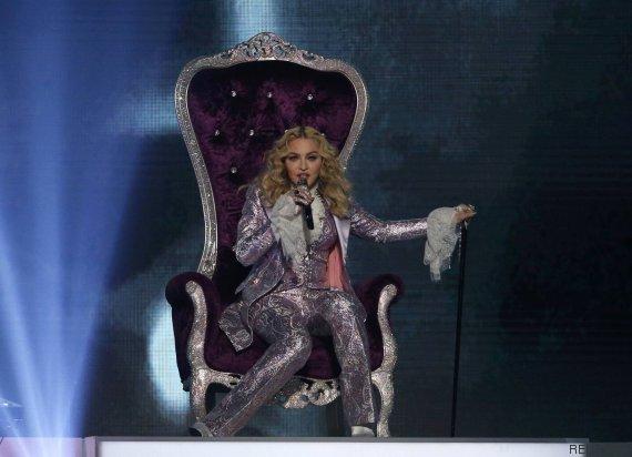 madonna trono