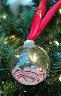 Homemade Gift Ideas: Swirled Christmas Ornaments | HuffPost Life