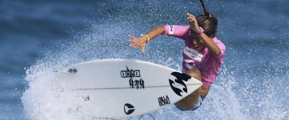 FEMMES SURFEUSES