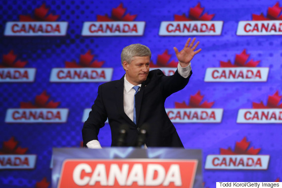 stephen harper waves
