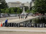 Des patients atteints de la maladie de Lyme portent plainte contre l'Etat