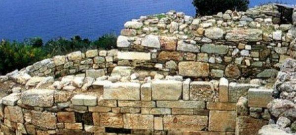 Des archéologues grecs pensent avoir trouvé la tombe d'Aristote