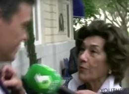 Una voluntaria de Cáritas boicotea a Pedro Sánchez y Hernando lo arregla con unos billetes