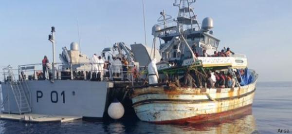 Migranti, naufragio nel Canale di Sicilia: almeno una decina di morti