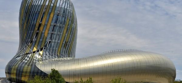 La Cité du vin de Bordeaux ouvre ses portes, et les Américains sont plus enthousiastes que nous