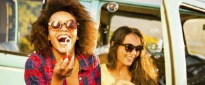 women travel friends