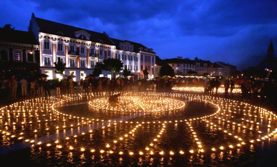 vilnius lithuania city night