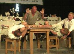 Voici à quoi ressemble un championnat de «doigt de fer» (VIDÉO)
