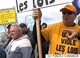 Les chauffeurs de taxis manifestent contre la CAQ