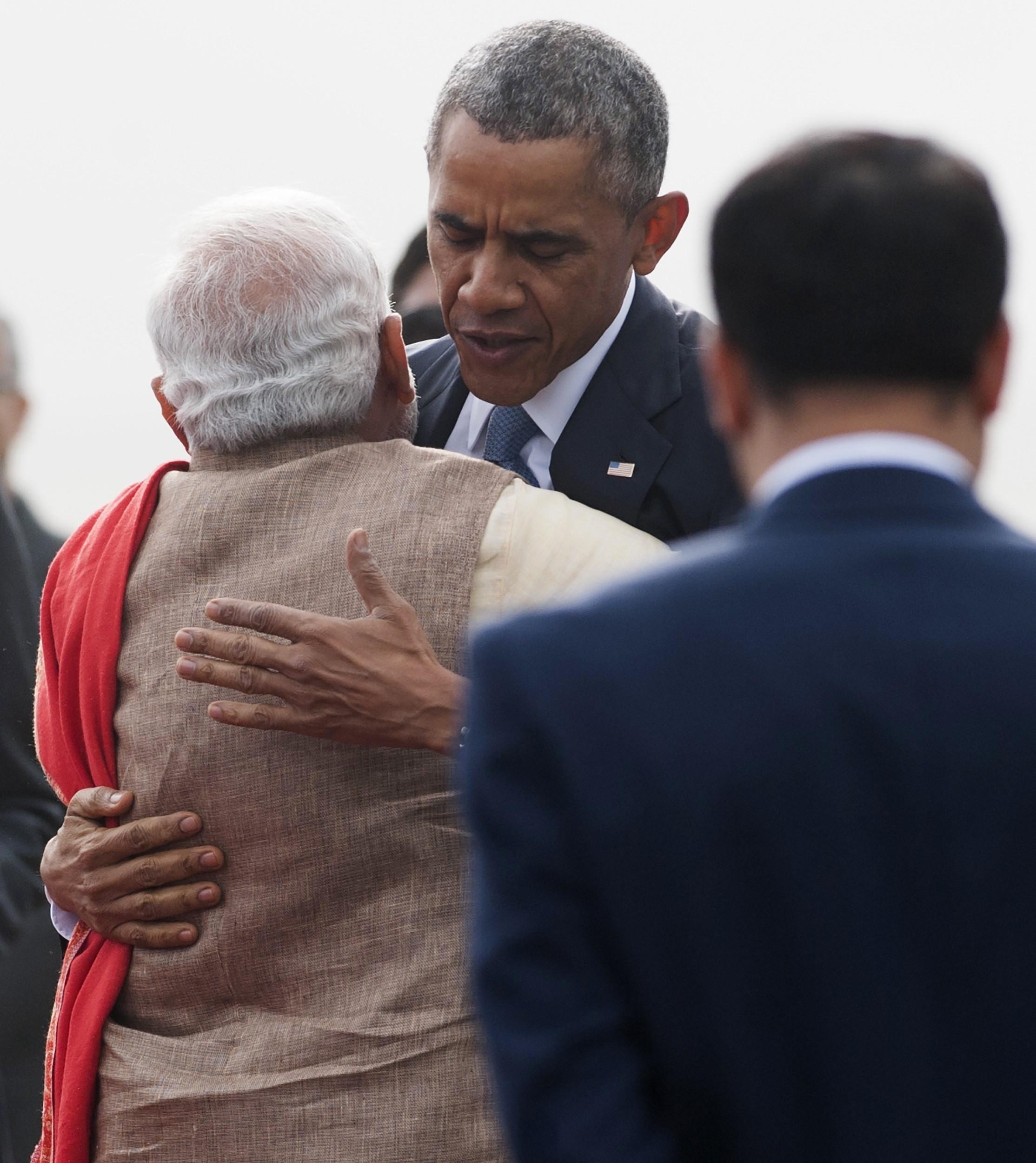 modi obama hug