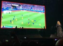Adele interrompt son concert pour retransmettre le premier match de l'Euro 2016