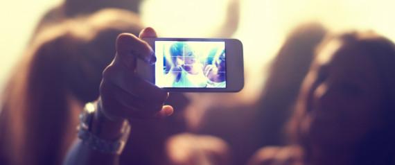 FILMING SMARTPHONE