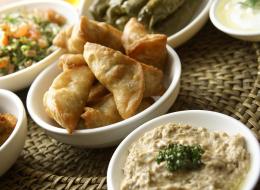 في كندا لن يفتقد الصائمون الأكلات العربية..  طعام والدتك على موائد رمضان
