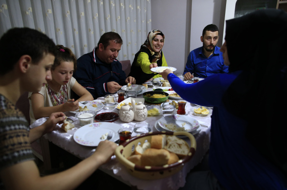 muslim family ramadan