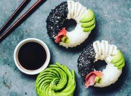 Après le sushi burger, dites bonjour au sushi en forme de beigne!