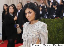 La routine maquillage de Kylie Jenner est impressionnante