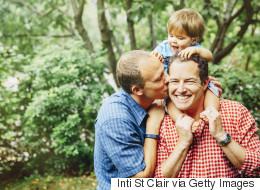 Des parents gais partagent leurs hilarants problèmes