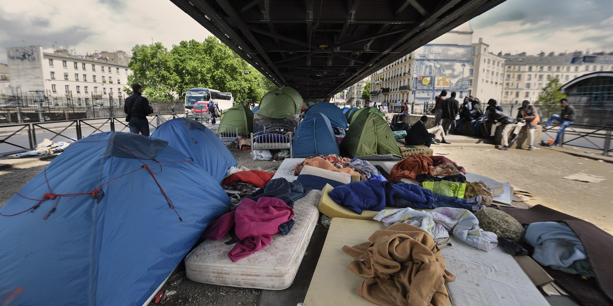 Le camp humanitaire pour migrants paris sera install pr s de la porte de la chapelle - Bureau d immigration du quebec a paris ...