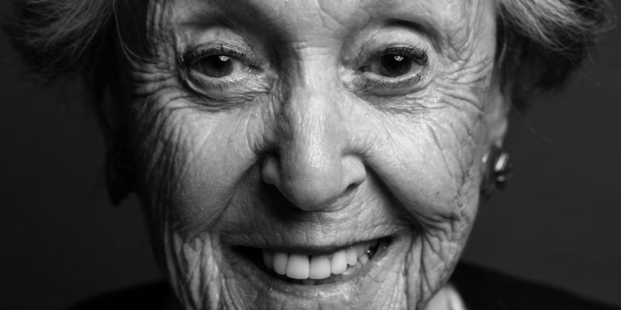 14 portraits de femmes qui n 39 ont pas peur des rides ce for Miroir qui fait peur