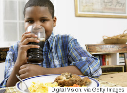 Kinder sollten keine Cola unter 16 Jahren trinken