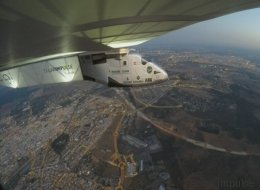 L'atterrissage historique de Solar Impulse 2 après sa traversée de l'Atlantique (VIDÉO)