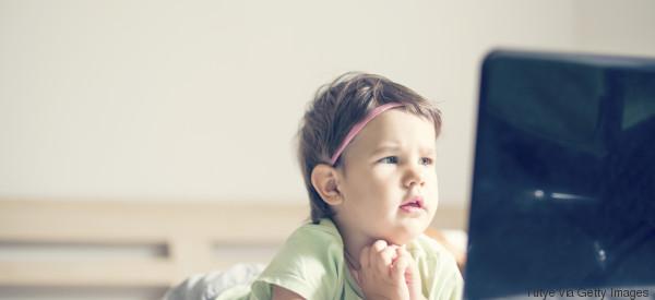 Studie zeigt: Das passiert wirklich mit kleinen Jungen, die Mädchenfilme schauen