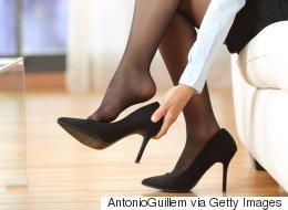 Peut-on imposer aux femmes de porter des talons hauts au travail?