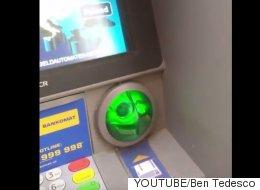 비엔나의 현금인출기에서 카드복제기를 발견했다(동영상)