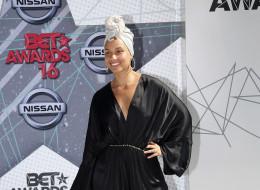 Alicia Keys sans maquillage sur le tapis rouge des BET Awards