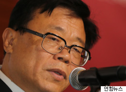 정부가 '김영란법'으로 경제손실이 11조원이라며 '뇌물' 상한선 인상을 검토하고 있다
