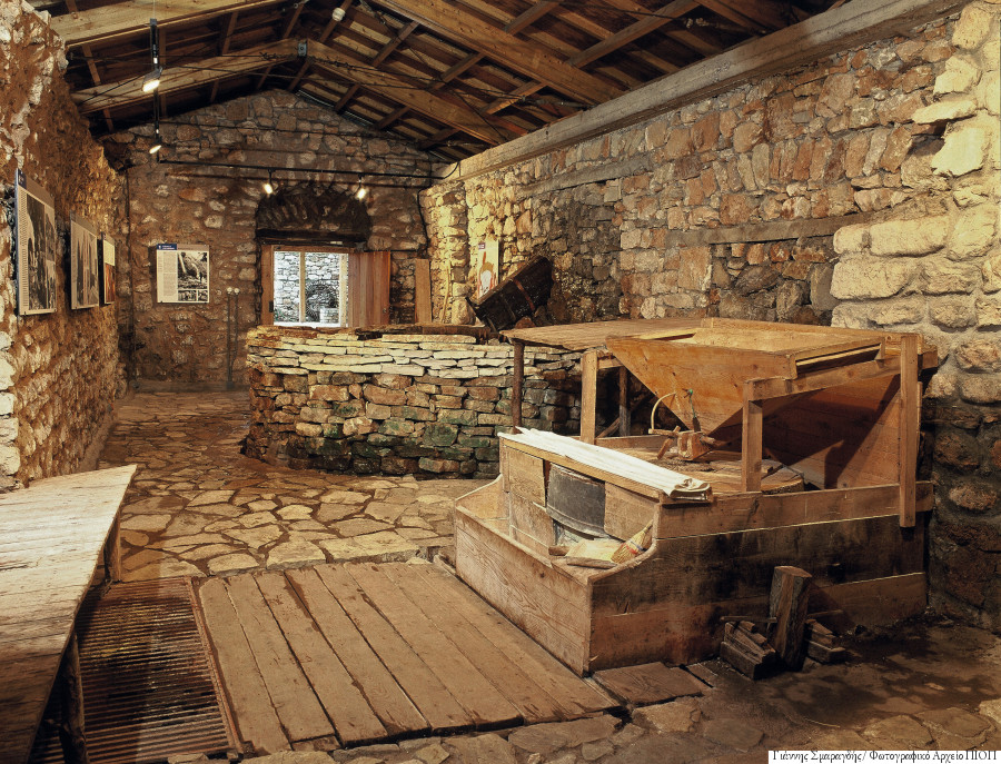 Carpenter Vs Interior Designer