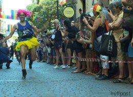 À la Fierté gaie de Madrid, les hommes font la course en talons hauts