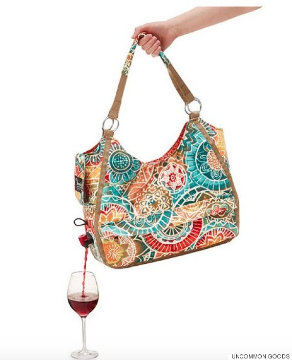 Fabuleux Un sac à main verseur de vin pour boire en toute subtilité DS25