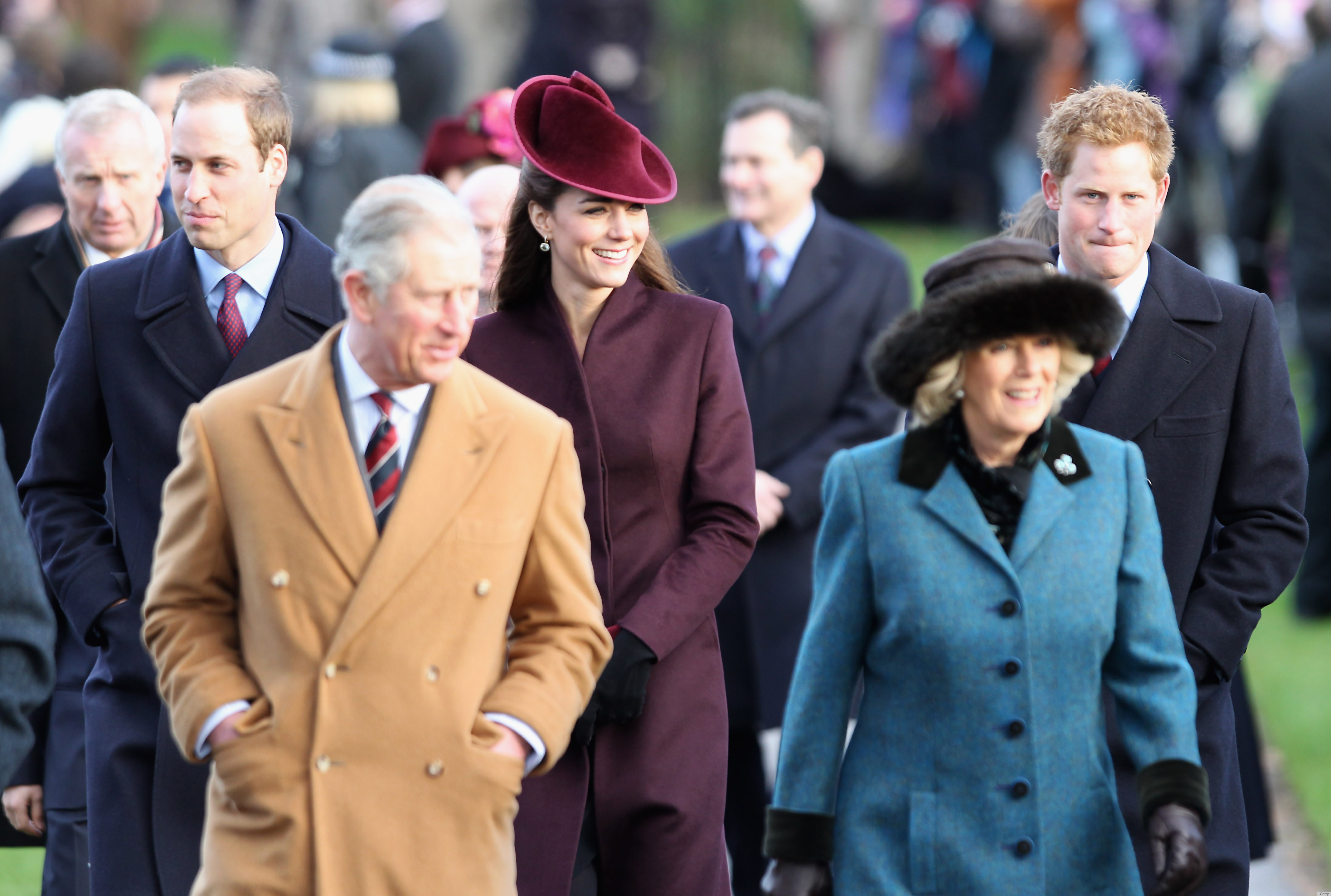 Kate Middleton, Princess Beatrice & Whole Royal Family Dress Up ...