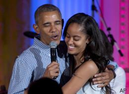Obama en papa gênant pour les 18 ans de sa fille (VIDÉO)