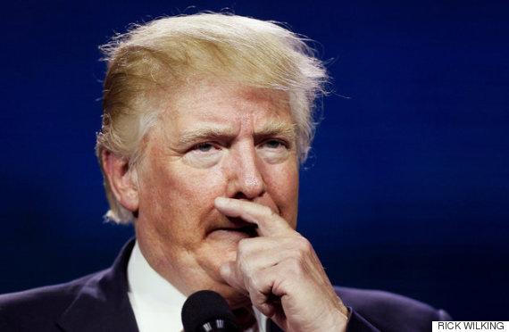 少し考えるトランプ大統領