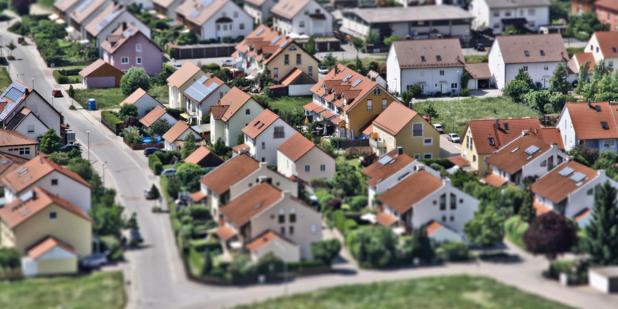 """nur idioten kaufen ein eigenes haus"""": investment-experte warnt vor, Wohnzimmer dekoo"""