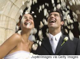 Les mariages célébrés par un ami ou un parent sont populaires