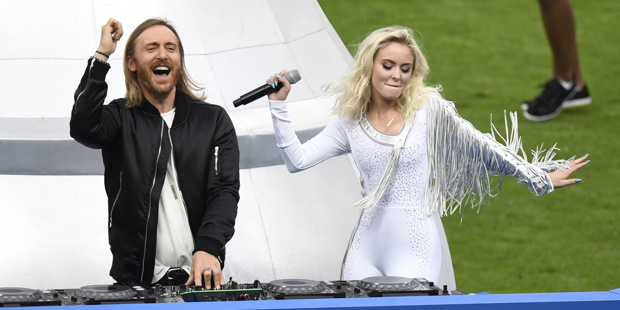 David Guetta et Zara Larsson clôturent l'Euro de façon orchestrale ...