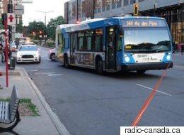Une quinquagénaire frappée par un autobus à Montréal