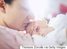 Liebe Eltern, ihr habt die Sache mit dem Babyschlaf nicht verstanden