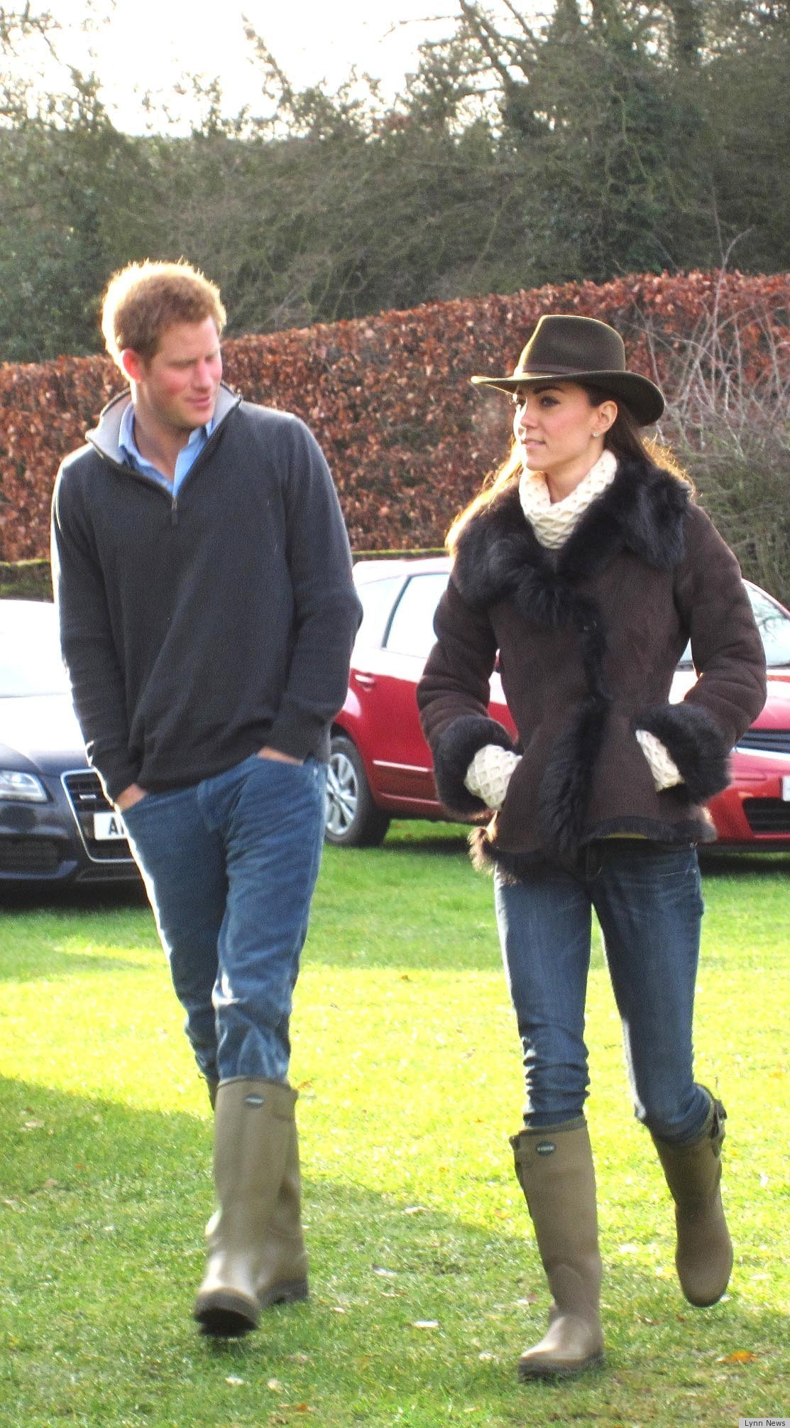 Kate Middleton Dons Hat, Wellies For Football On Christmas Eve 2011 ...