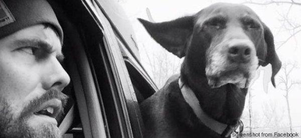 Il gesto di questo padrone per il suo cane è una dimostrazione d'amore